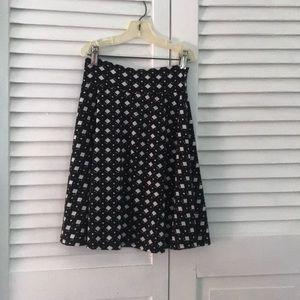 A diamond black and white LuLuRoe skirt.